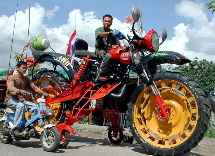 Необычные мотоциклы. Самый большой кроссовый мотоцикл.