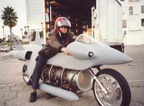 Необычные мотоциклы. Мотоцикл в виде истребителя F-18